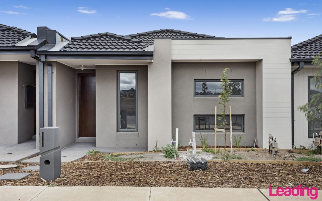 33 Civic Street, DIGGERS REST  VIC  3427